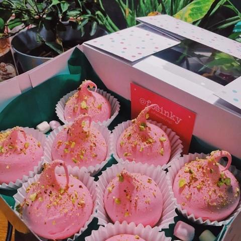 Meringy a Pavlova torta od Fosinky